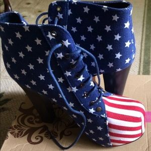 Shoes - America Flag booties